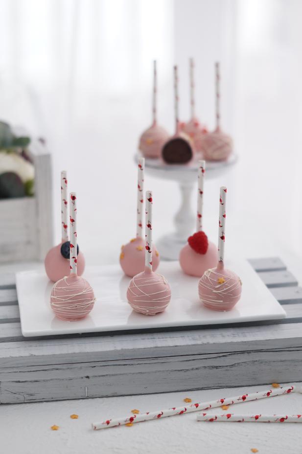 Кейк-попсы — пирожные на палочке